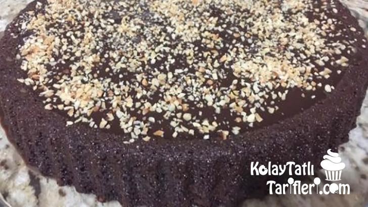 çikolata soslu islak tart kek