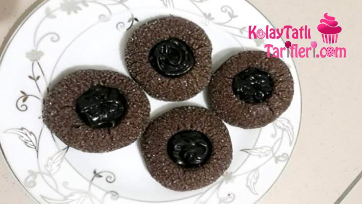 siyah inci kurabiyesi