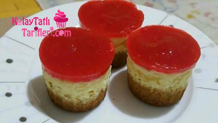 cilekli mini cheesecake